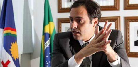 Projeto do governador Paulo Câmara atende interesse dos delegados de polícia, mas contraria interesse da Polícia Militar