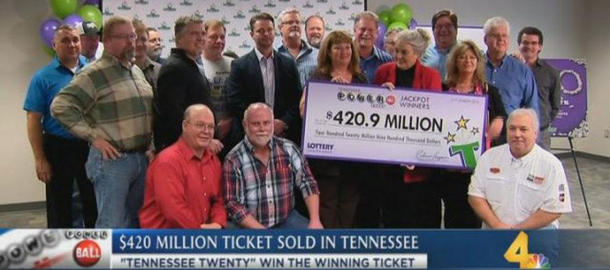20 công nhân nhà máy cùng nhau trúng độc đắc Powerball gần $421 triệu