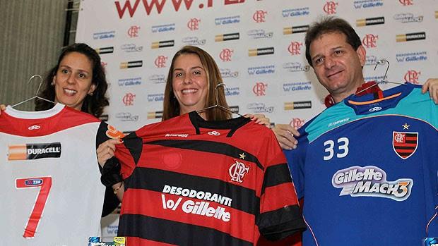 apresentação da camisa do Flamengo com novos patrocinadores (Foto: Leandra Benjamin / FlaImagem)