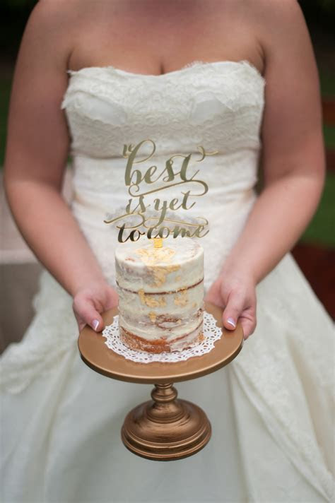 Wedding Cake and Wedding Cake Stands ~ Finding the Perfect
