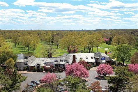 Upper Montclair Country Club   Vue Magazine