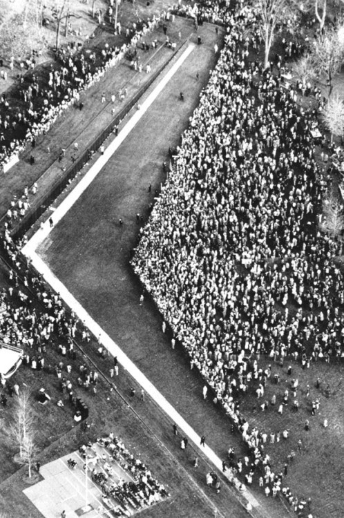 People gathered for the dedication of the Vietnam Veterans Memorial, 1982.