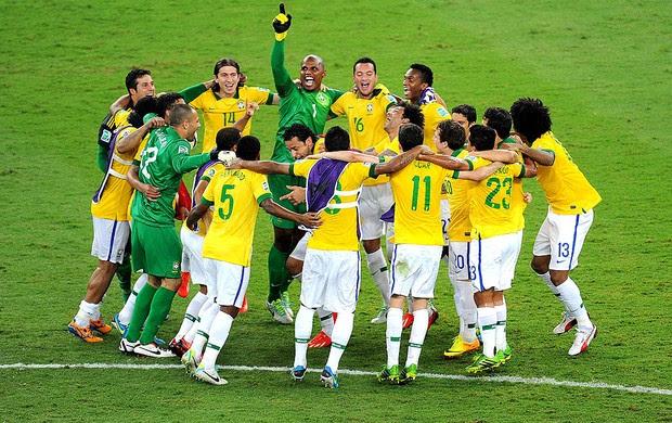 jogadores brasil comemoração final copa das confederações (Foto: Alexandre Durão / Globoesporte.com)