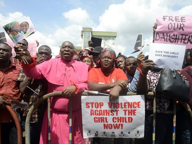 Nigéria protesto violência crianças (Foto: AFP)