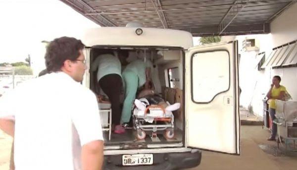 Equipe médica ainda tentou reanimar o colega de trabalho dentro da ambulância, mas ele não respondeu ás massagens torácicas