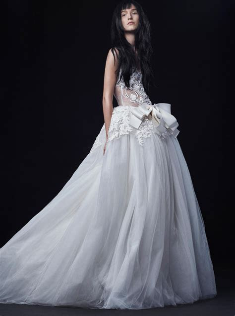 Vera Wang Fall 2016 Wedding Dress Collection   Dipped In Lace