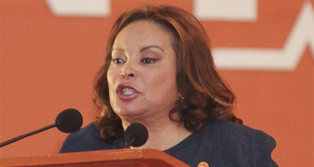 A petición de PGR, restringen visitas y comunicaciones a Elba Esther