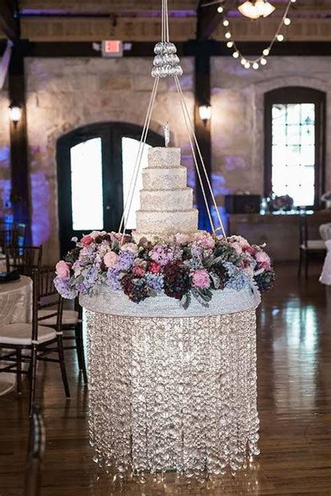25  best ideas about Suspended Wedding Cake on Pinterest