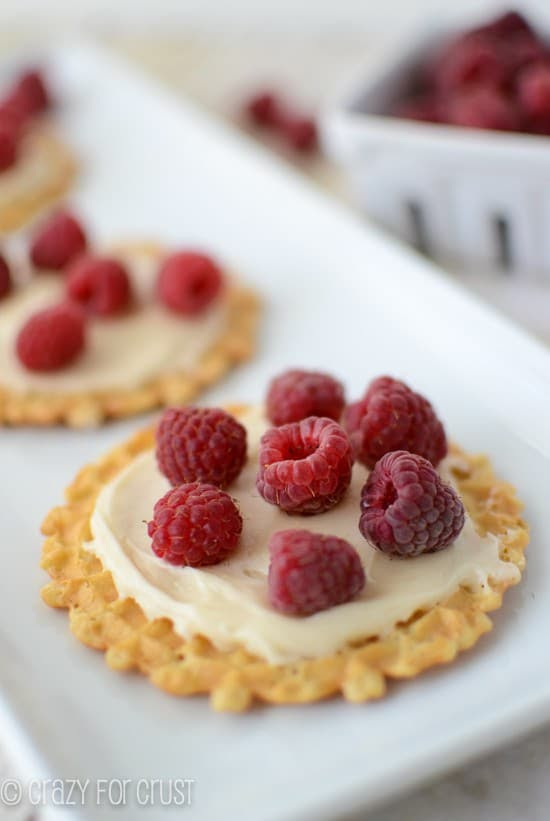 raspberry-cookie-pizzas (2 of 2)