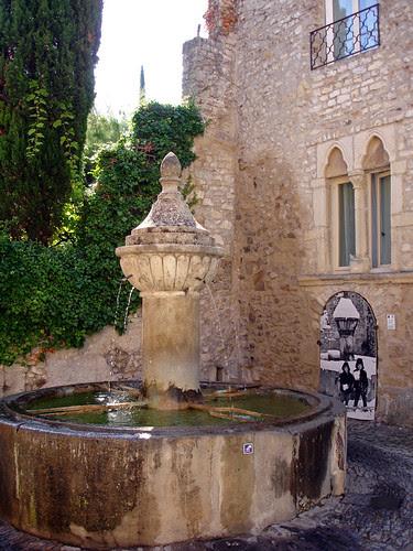 Fontaine - Vaison la Romaine