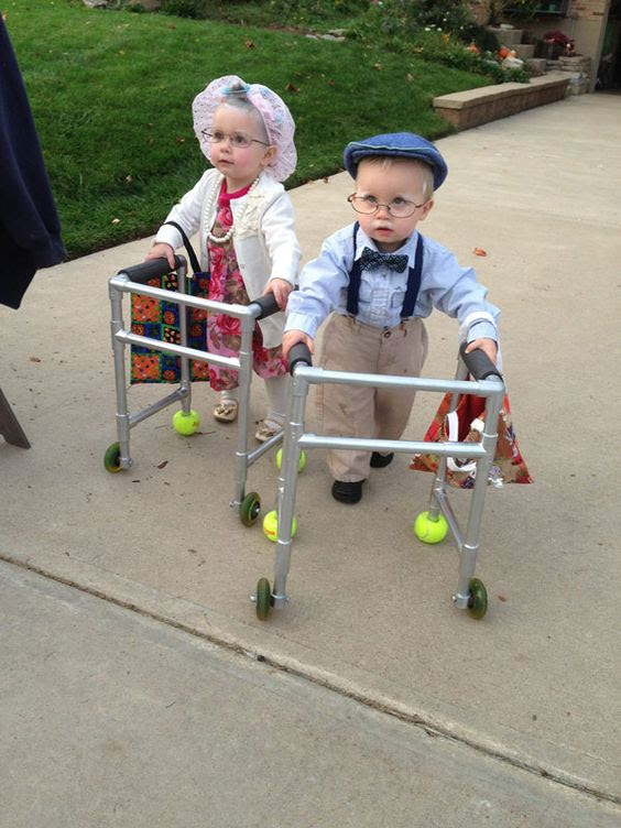 65 Adorable Sibling Costumes That Might Make Your Kids Get Along On