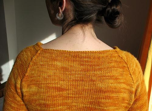 hourglass shoulders
