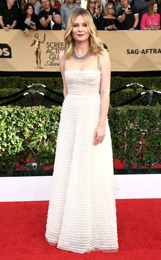 Kirsten Dunst photo rs_634x1024-170129170349-634-2017-SAG-awards-kristen-dunst.jpg
