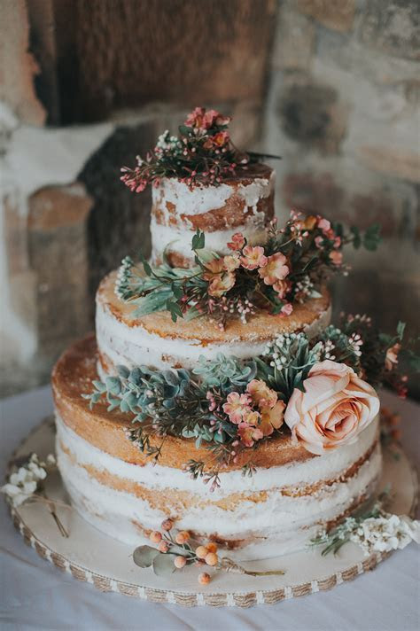 Wedding Trends: 25 Stunning Dusty Orange Wedding Color