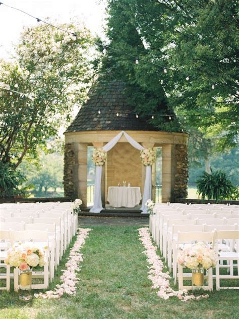 Romantic Graylyn Estate Wedding   Team Holliday