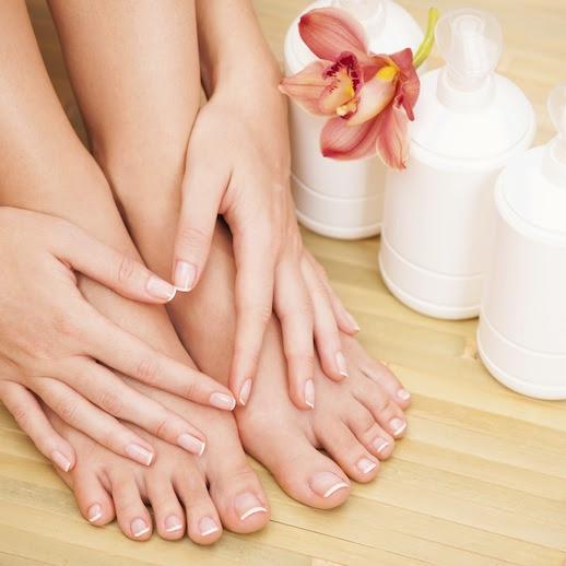 prendersi cura di mani e piedi