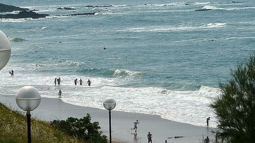Medio metro sin fuerza era lo que rompía el sábado en Sopelana en un día de playa