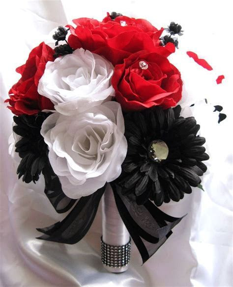 Apple Red White Black Daisy ? Roses and Dreams