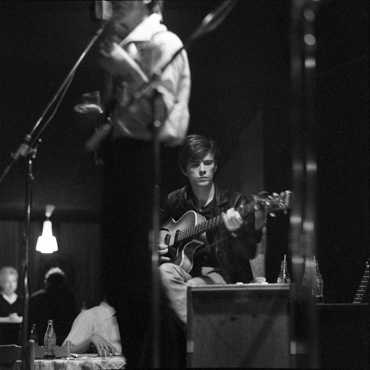 """Stuart Sutcliffe, a breve vida de um pintor talentoso e um baixista medíocre, o """"quinto Beatle"""" 05"""