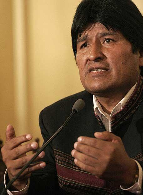 Piden renuncia de Evo Morales