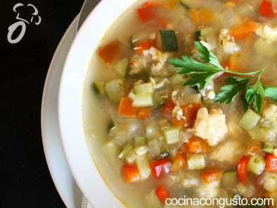 Sopa ligera de pescado y verdura
