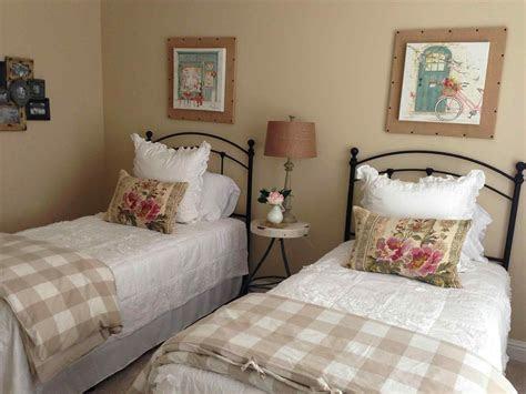 twin bedroom ideas  adults sofa cope
