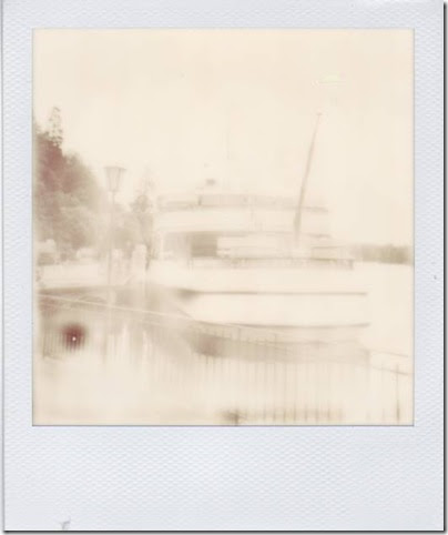 Stadt Bern in der Stadt Thun - PX 600 Monochrome by the impossible project II
