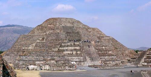 Мексика. Пирамида Луны.