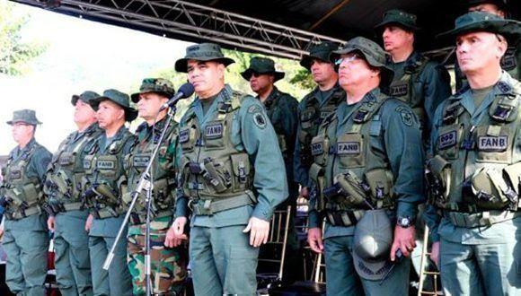 padrino-lopez-ejercicio-militar-venezuela