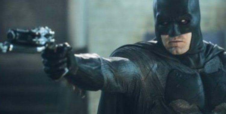 'Batman vs Superman' domina as bilheterias internacionais