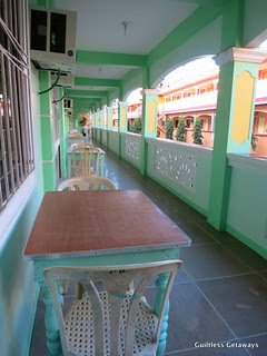 white-beach-hotel-puerto-galera.jpg