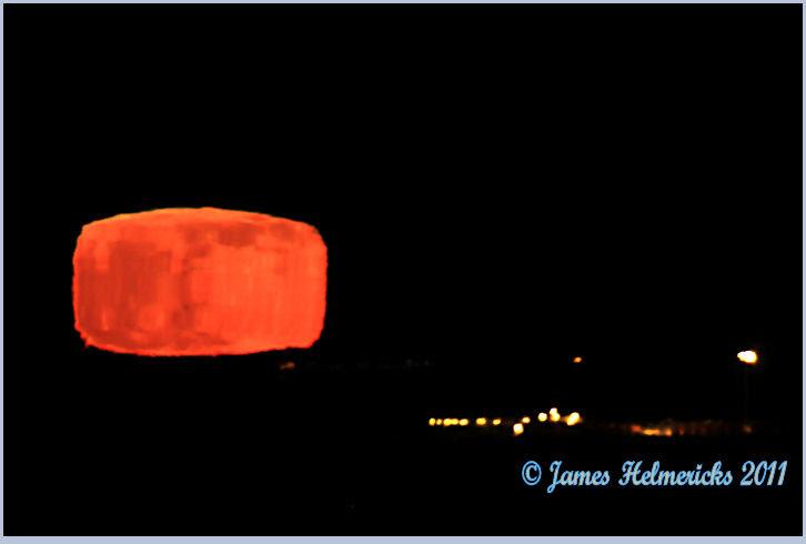 Súper Lluna quadrada des d'Alaska