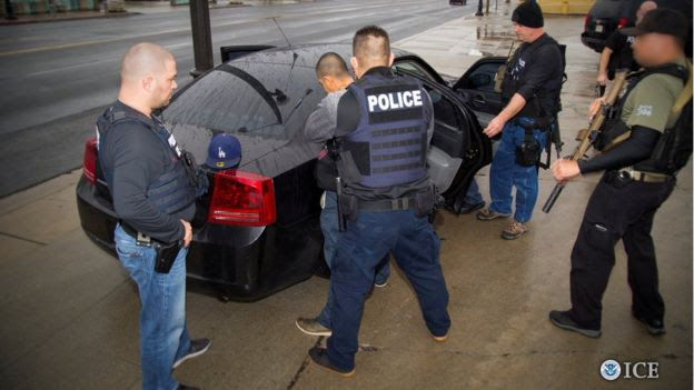 US immigration agents detain a suspect in Los Angeles, California, on 7 February 2017