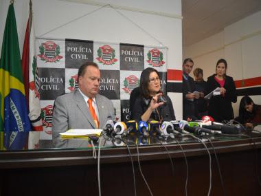 A coletiva de imprensa foi concedida no DHPP, que investiga o caso