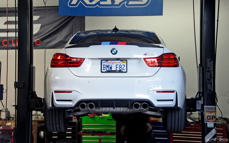 Alpine White F82 M4 Featured In BMW NA SEMA Booth 2 750x468 Alpine White F82 M4 Featured at BMW SEMA booth