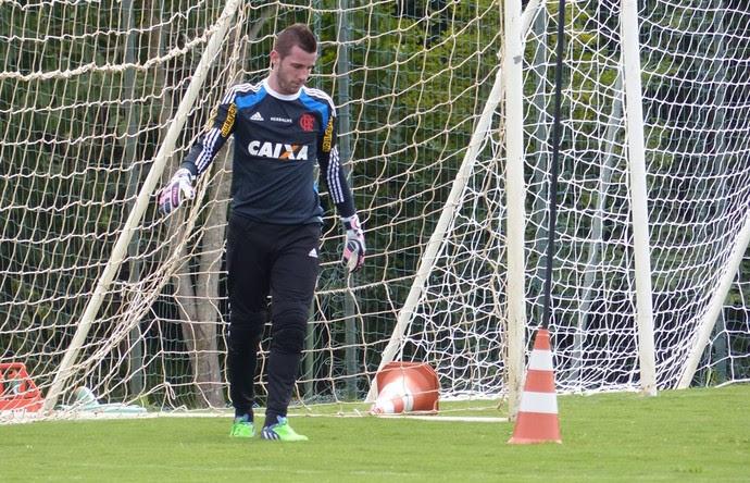 Paulo Victor treino Flamengo (Foto: Cahê Mota)