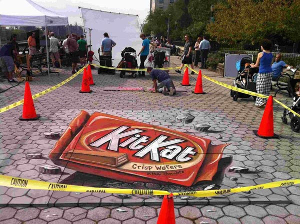 Kit-Kat-Street-Art-Advertisment