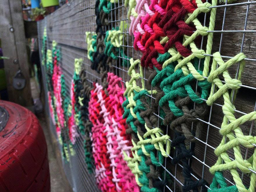 -Stitch-rue-installations floral-cross-raquel-rodrigo -12