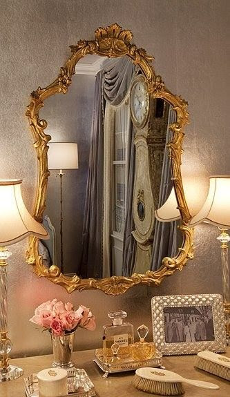 Look at the curves on this beautiful mirror! shape shape shape!