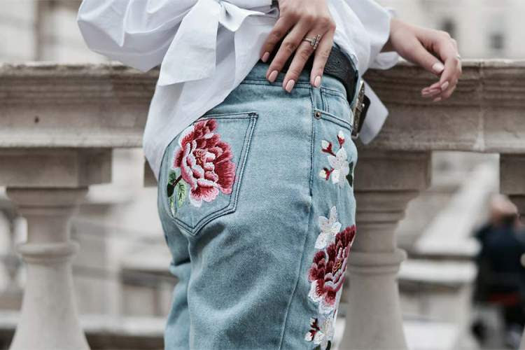 Resultado de imagem para jeans bordados 2017