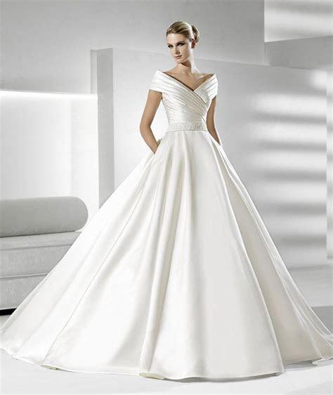 New Style Soft Royal Satin Off Shoulder V Neck Wedding