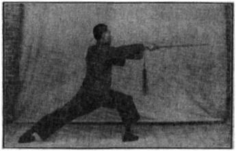 《昆吾劍譜》 李凌霄 (1935) - posture 50