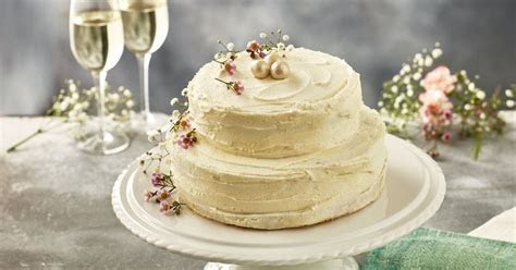 Iceland to launch limited edition Royal wedding cake   and