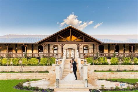 15 of the Best Outdoor Wedding Venues in Dallas & Fort