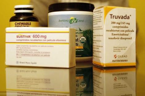 Algunos fármacos antirretrovirales, junto a otras medicinas.  El Mundo