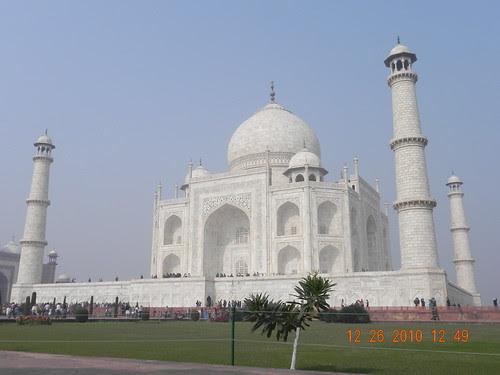Spectacular White Beauty: Taj Mahal