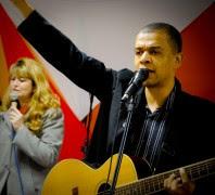 """Conheça mais sobre o CD """"Vivo Está"""" de Élcio Oliveira"""