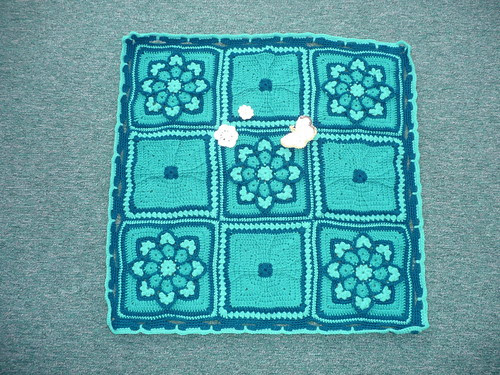 Glenda has donated this Blanket to SIBOL, such pretty Squares!
