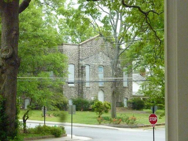 P1090857-2011-04-15-Hapeville-1st-Baptist-Church-old-stone-church
