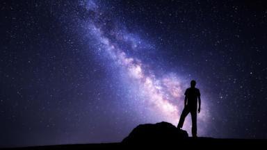 A escala do Universo é impossível imaginar (Crédito: Denys Bilytskyi / Alamy)